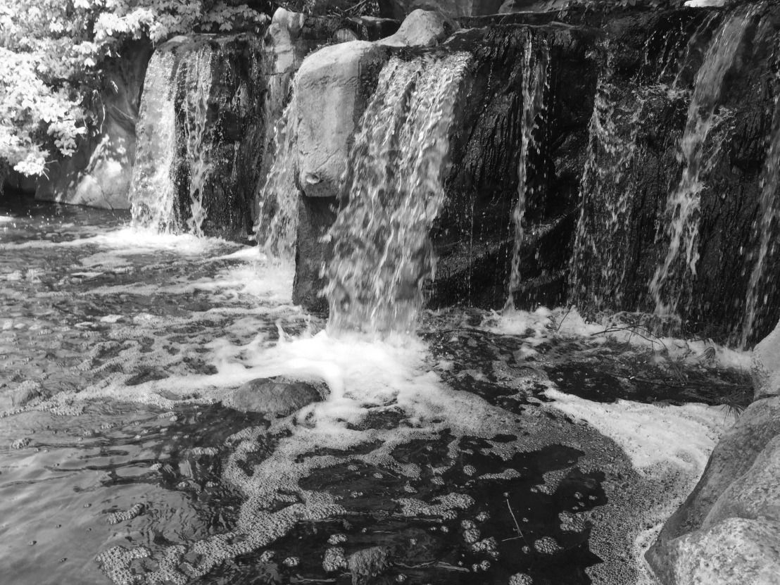 bw waterfall